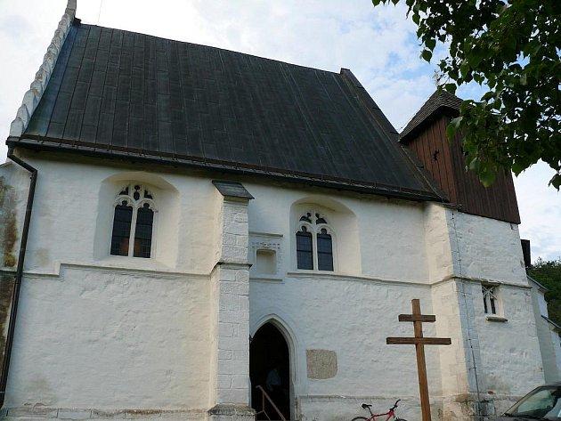 Gotický kostelík ve Svaté Kateřině.