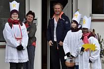 Lidé ve Sloupu přivítalo o víkendu Tříkrálové koledníky.