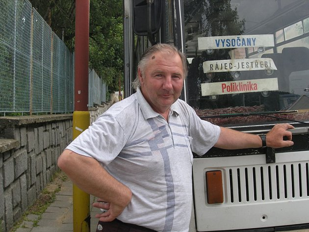 Autobusák pan Včelař.