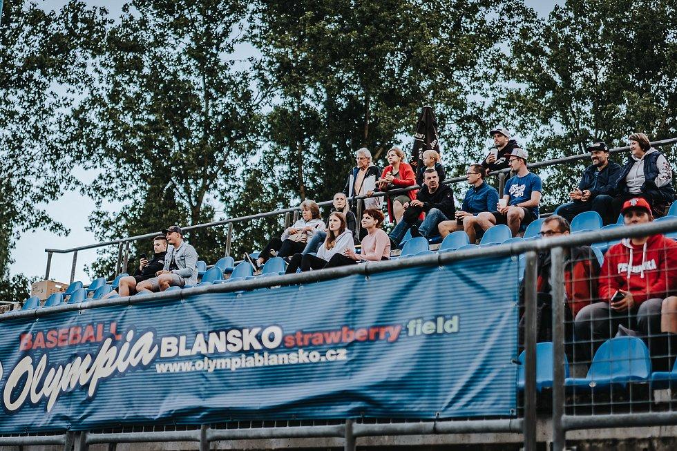 Olympia Blansko (bílá) - Nuclears Třebíč (modrá) 2:1