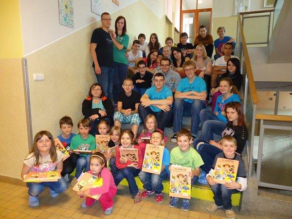 Adamovská škola pořádá tradiční akce jako je Pasování čtenářů nebo Pohádkový les.