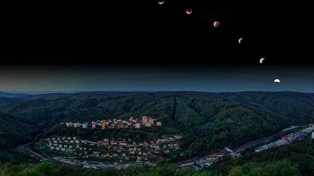 Fotograf Jan Klimeš z Adamova rád zachycuje noční oblohu.