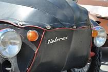 Řidiči legendárních tříkolových vozítek s plátěnou karoserií přijeli o víkendu do Boskovic na tradiční jarní sraz Velorexů. Již podvacáté.