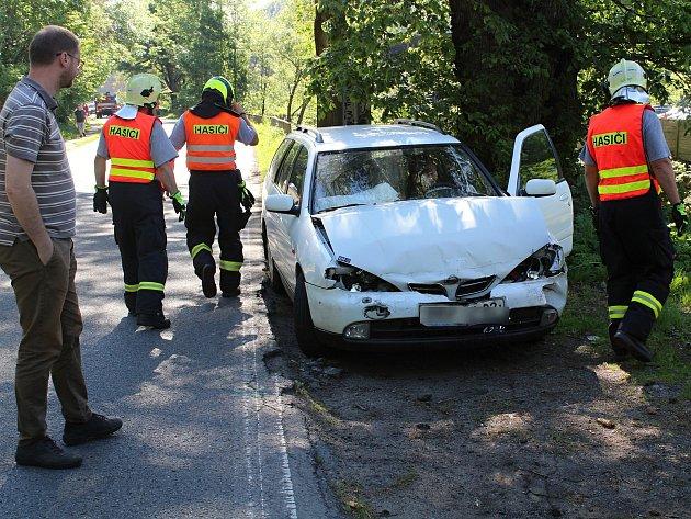 Řidička prudce zabrzdila a způsobila nehodu čtyř aut.