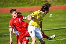 Loni byl kapitánem blanenských fotbalistů, od nové sezony bude Radek Buchta (vlevo) hájit dres třetiligových Rosic.
