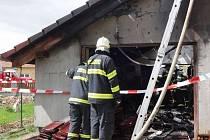 Požár poničil část novostavby rodinného domu v Habrůvce.