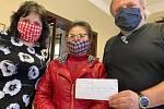 Majitelka vietnamské prodejny darovala Svitávce 30 tisíc. Na prevenci proti koronaviru.
