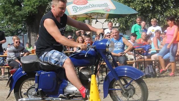 V Jedovnicích se v sobotu uskutečnil už pátý Jawa motosraz.