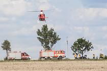Nehoda v Kotvrdovicích. Zraněnou musel do nemocnice přepravit vrtulník.
