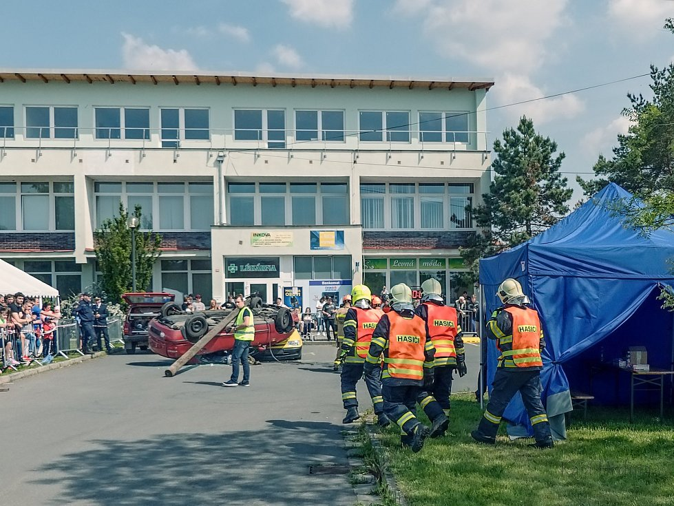 Hasiči z Velkých Opatovic vyhráli krajské kolo. Ve vyprošťování z nabouraných aut.