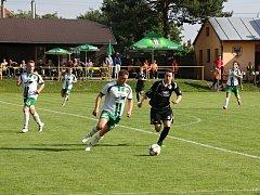 Fotbalisté Ráječka poslední domácí zápas vyhráli 2:1.