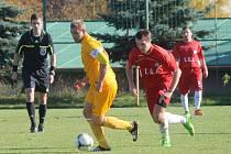 Fotbalisté Kunštátu (v červeném) porazili v I. A třídě Moravskou Slavii Brno 3:2.