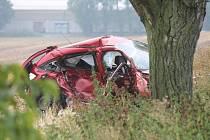 Jeden mrtvý a čtyři zranění. Z toho jeden těžce. Tak dopadla středeční dopravní nehoda dvou osobních aut na silnici I/43.