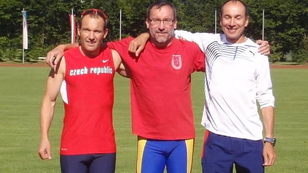 Jiří Dvořáček (vlevo) při mezinárodních atletických závodech v rakouském Salzburku.