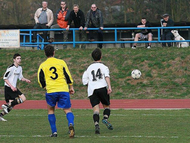 Blanenské fotbalové béčko porazilo v prvním jarním zápase Ivanovice 3:0.