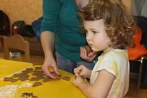 Lesní klub Blansko připravil pro děti pečení vánočních perníčků.
