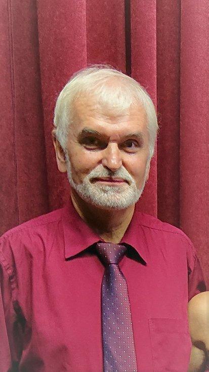 Zdeněk Přikryl, vedoucí souboru Kořeňák.