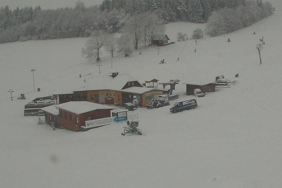 V Olešnici si sněhu užívali i sáňkaři.
