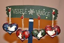 Na Vánoční prohlídky zámku v Lysicích dnes zavítalo několik desítek návštěvníků. Vánočně vyzdobené komnaty lysického zámku si lidé mohou prohlédnout také na Silvestra.