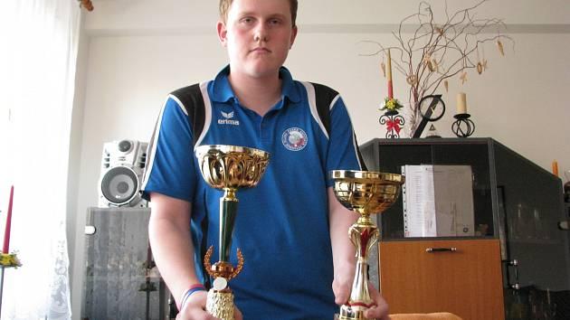 Jan Charvát s některými trofejemi.