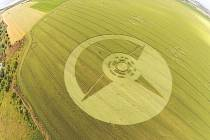 Obrazec v poli pšenice se objevil koncem června severně od Boskovic.