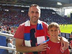 Fotbaloví fanoušci z Blanenska vyrazili na Euro do Francie. Český tým je zklamal. Některým pokazili výlet zloději.