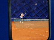 Blanenští postavili vedle sportovní haly v ulici Mlýnská nafukovací tenisovou halu.