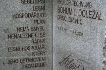Odhalení pomníku Bohumila Doležala.
