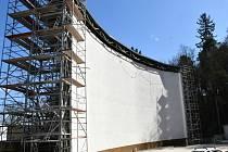 Oprava letního kina pokračuje. Kdy otevře, není jasné.