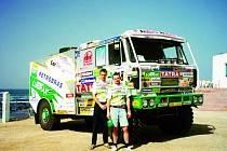 Devětatřicetiletý Petr Vodák z Boskovic je šéfmechanikem Letka Racing teamu Tomáše Tomečka a slavnou rallye Paříž-Dakar má hluboko pod kůží.