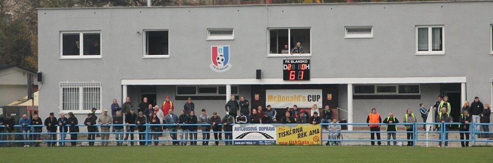 Fotbalisté Blanska se rozloučili s domácími diváky výhrou nad Žďárem nad Sázavou 3:0.
