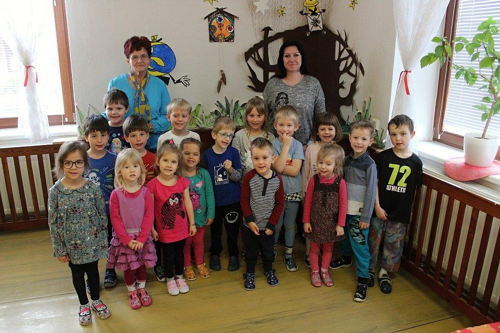 Děti z Mateřské školy v Krasové