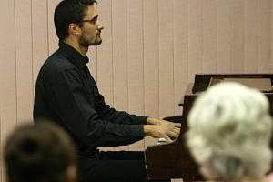 Miroslav Beinhauer zahrál Sonátu č. 2 od Carla Vineho.