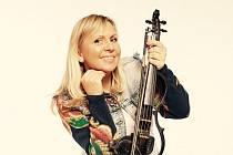 Houslistka a zpěvačka Ilona Stryová chce po osmi letech v zahraničí vystupovat hlavně před českým publikem.