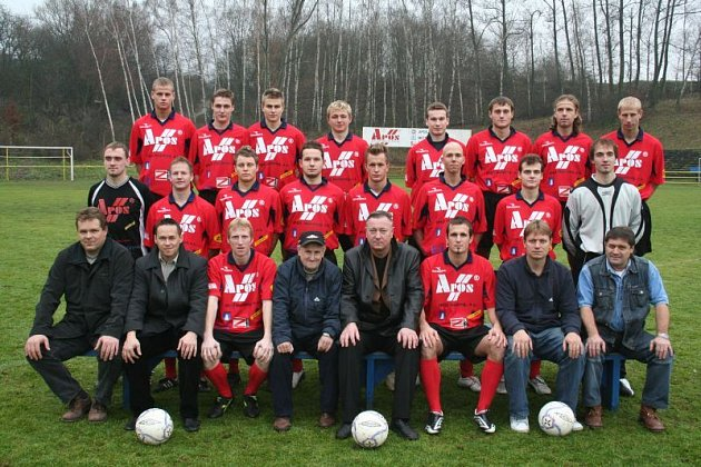 Tým FK Apos Blansko. Radim Farník druhý uprostřed zleva.
