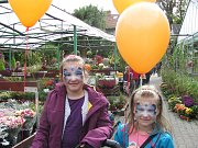 Lidé si vyrobili dekoraci a ochutnali dýňové speciality. V zahradnictví U Kopřivů se už druhý víkend konaly Slavnosti dýní.