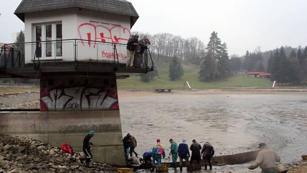 Blanenská přehrada Palava se dočká po devíti letech odbahnění dna.