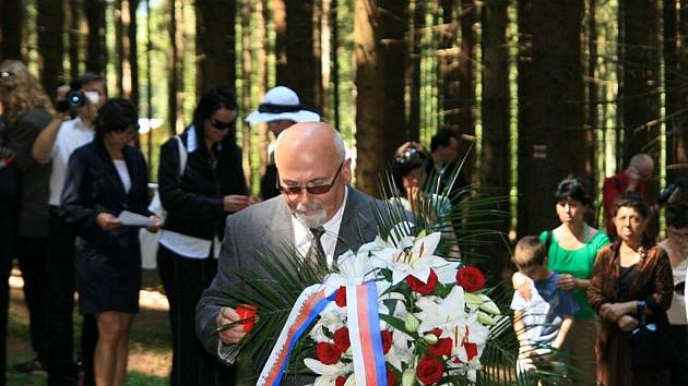 Uctění památky obětí romského holocaustu v Hodoníně u Kunštátu.