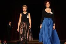 Výtěžek devátého ročníku charitativní módní přehlídky organizátoři pošlou do ukrajinského Čechohradu.