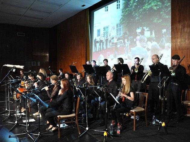 Koncert k dvacátému výročí Tanečního orchestru.