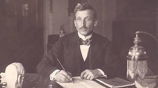 Objevitel, speleolog, učitel a sběratel lidových písní Alois Král.