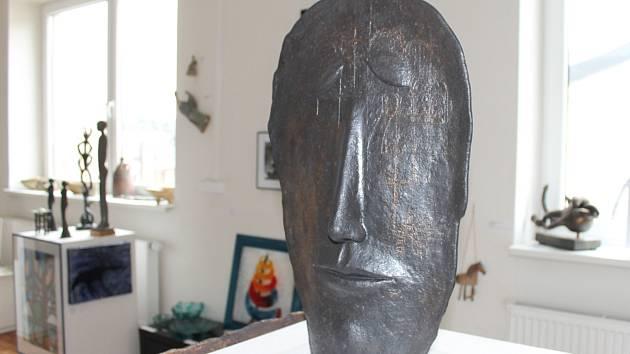 Třiapadesát umělců z Blanska a okolí vystaví koncem dubna svá díla v Podunajském muzeu v Komárně.