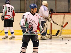 Jedenácté kolo hokejového okresního přeboru nabídlo ve skupině Blansko souboj o čelo tabulky. HC Blansko hostilo Rájec-Jestřebí. Hosté vyhráli po samostatných nájezdech.