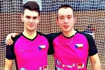 Mladí hráči kolové SC Svitávka Jan Hrdlička (vpravo) s Michalem Richtrem se probojovali do druhé ligy soutěží dospělých.