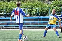 Na umělé trávě sportovního areálu Červená zahrada v Boskovicích proběhl desátý ročník fotbalového turnaje starších pánů Nobica Cup. Hrálo sedm družstev. Pohár za 1. místo obhájil pořadatelský tým Nobica.