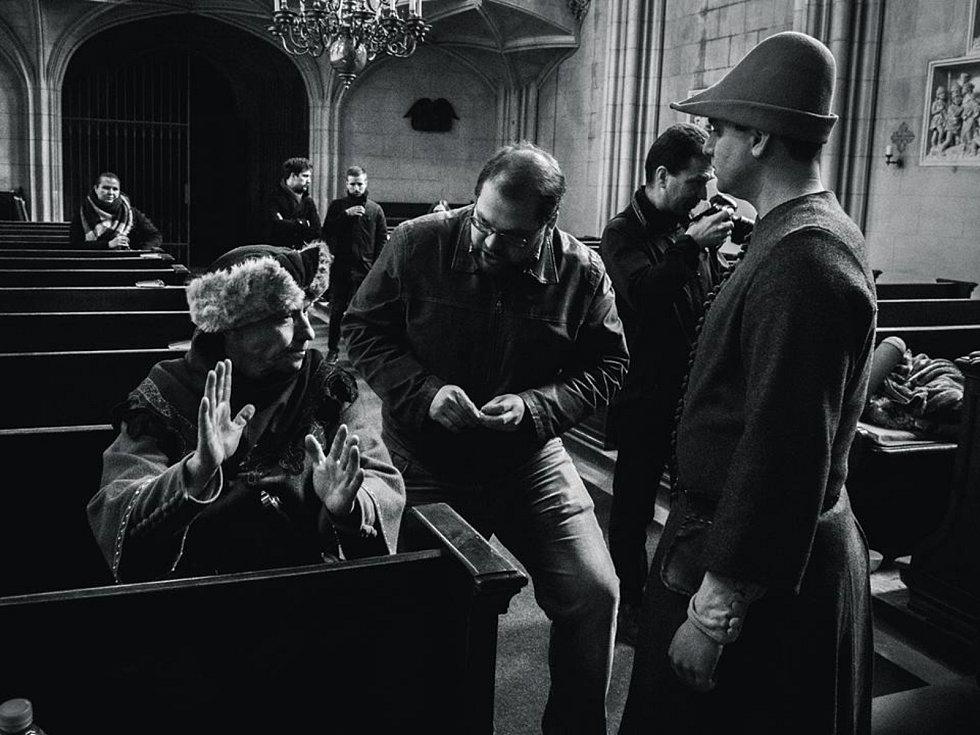 Velká část filmu Pláč svatého Šebestiána se natáčela také v Lednicko-valtickém areálu. Fotky jsou z Janova hradu a Lednice
