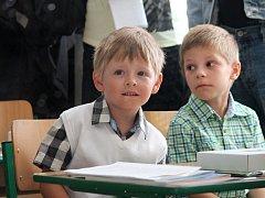 V Adamově přivítali ve školních lavicích desítky nových prvňáků.