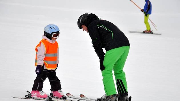 V olešnickém ski areálu zahájili novou lyžařskou sezónu.