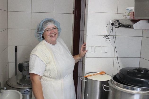Petra Kuncová ve své minimlékárně.