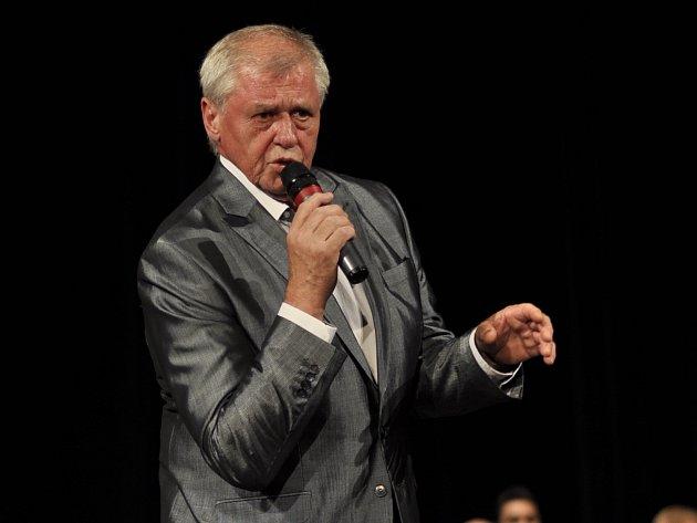 V blanenském Dělnickém domě oslavil zpěvák Laďa Kerndl sedmdesáté narozeniny.
